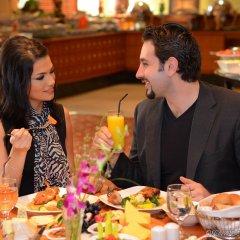 Отель Swiss-Belhotel Sharjah питание фото 2