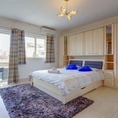 Апартаменты Centric and Spacious Apartment With Wifi and Balcony Гзира комната для гостей фото 3
