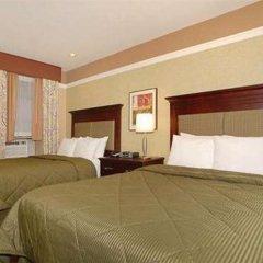 Отель Comfort Inn Midtown West сейф в номере