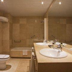 Отель Aparthotel Mariano Cubi Barcelona ванная фото 2