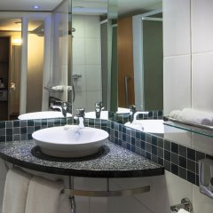 Отель Holiday Inn Express Sandton Woodmead ванная фото 2
