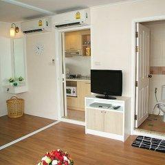 Отель Lumpini Residence Sathorn комната для гостей