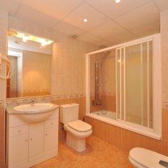 Отель Apartamento Duplex Llaverias Испания, Льорет-де-Мар - отзывы, цены и фото номеров - забронировать отель Apartamento Duplex Llaverias онлайн ванная фото 2