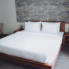 Henry'S Hotel And Gastropub Бангкок комната для гостей фото 2