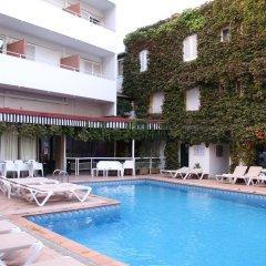 Отель Xaine Park бассейн фото 2
