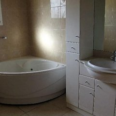Отель Estudio 1031- Iberia 1-8 Испания, Курорт Росес - отзывы, цены и фото номеров - забронировать отель Estudio 1031- Iberia 1-8 онлайн ванная