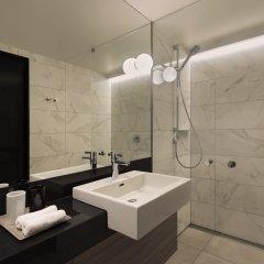 Отель Adina Apartment Hotel Hamburg Speicherstadt Германия, Гамбург - 1 отзыв об отеле, цены и фото номеров - забронировать отель Adina Apartment Hotel Hamburg Speicherstadt онлайн ванная фото 2