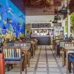 Отель Crystal Bay Beach Resort гостиничный бар