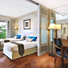 Отель Centre Point Sukhumvit 10 комната для гостей