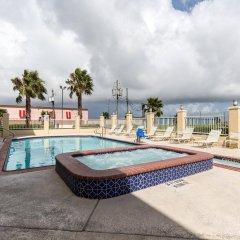 Отель Comfort Suites Galveston США, Галвестон - отзывы, цены и фото номеров - забронировать отель Comfort Suites Galveston онлайн бассейн