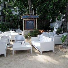 Отель Microtel by Wyndham Boracay Филиппины, остров Боракай - 1 отзыв об отеле, цены и фото номеров - забронировать отель Microtel by Wyndham Boracay онлайн гостиничный бар