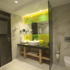 Отель Wyndham Grand Athens Греция, Афины - 1 отзыв об отеле, цены и фото номеров - забронировать отель Wyndham Grand Athens онлайн ванная
