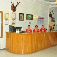 Отель Golden Kinnara Hotel Мьянма, Лашио - отзывы, цены и фото номеров - забронировать отель Golden Kinnara Hotel онлайн интерьер отеля фото 2