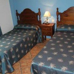 Отель Hostal Lojo Испания, Кониль-де-ла-Фронтера - отзывы, цены и фото номеров - забронировать отель Hostal Lojo онлайн комната для гостей фото 2