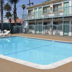Отель Motel 6 Canoga Park США, Лос-Анджелес - отзывы, цены и фото номеров - забронировать отель Motel 6 Canoga Park онлайн бассейн фото 2