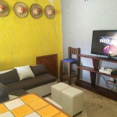 Baja's Cactus Hostel Кабо-Сан-Лукас комната для гостей фото 3