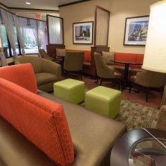Отель Drury Inn & Suites Columbus Convention Center гостиничный бар
