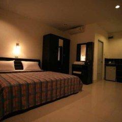 Отель Panpen Bungalow Phuket сейф в номере