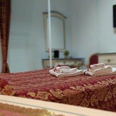 Отель Affittacamere Le Tre stelle сейф в номере