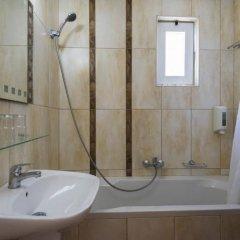 Отель Gaia Garden Hotel Греция, Кос - отзывы, цены и фото номеров - забронировать отель Gaia Garden Hotel онлайн ванная