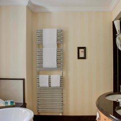 Отель Steigenberger Grandhotel Belvedere Швейцария, Давос - 1 отзыв об отеле, цены и фото номеров - забронировать отель Steigenberger Grandhotel Belvedere онлайн ванная