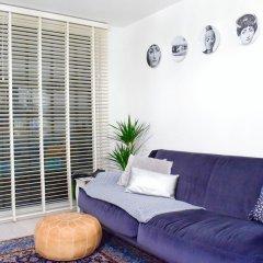Апартаменты 1 Bedroom Apartment With Balcony in Haggerston комната для гостей