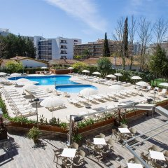 Отель Aparthotel CYE Holiday Centre Испания, Салоу - 4 отзыва об отеле, цены и фото номеров - забронировать отель Aparthotel CYE Holiday Centre онлайн бассейн фото 2