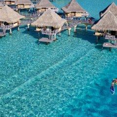 Отель InterContinental Le Moana Resort Bora Bora бассейн фото 2