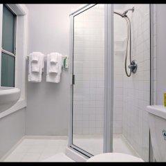 Отель Venice Beach Suites & Hotel США, Лос-Анджелес - отзывы, цены и фото номеров - забронировать отель Venice Beach Suites & Hotel онлайн ванная