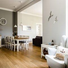 Апартаменты Sanhaus Apartments - Fiszera комната для гостей фото 3