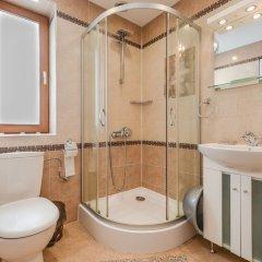 Отель FM Deluxe 1-BDR Apartment - Artist's Place Болгария, София - отзывы, цены и фото номеров - забронировать отель FM Deluxe 1-BDR Apartment - Artist's Place онлайн ванная