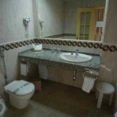 Отель Yaramar - Adults Recommended Испания, Фуэнхирола - 1 отзыв об отеле, цены и фото номеров - забронировать отель Yaramar - Adults Recommended онлайн ванная