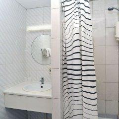 Отель Brussels Royotel Бельгия, Брюссель - отзывы, цены и фото номеров - забронировать отель Brussels Royotel онлайн ванная