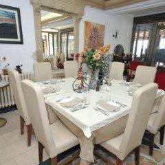 Отель Oaza Черногория, Будва - 8 отзывов об отеле, цены и фото номеров - забронировать отель Oaza онлайн питание фото 3