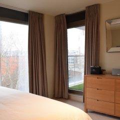 Отель Charming 2 Bedroom Apartment Next to Maltby Market Великобритания, Лондон - отзывы, цены и фото номеров - забронировать отель Charming 2 Bedroom Apartment Next to Maltby Market онлайн комната для гостей фото 2