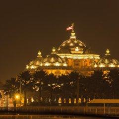 Отель Vivanta Ambassador, New Delhi Индия, Нью-Дели - отзывы, цены и фото номеров - забронировать отель Vivanta Ambassador, New Delhi онлайн приотельная территория