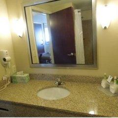 Отель Holiday Inn Express & Suites Niagara Falls США, Ниагара-Фолс - отзывы, цены и фото номеров - забронировать отель Holiday Inn Express & Suites Niagara Falls онлайн ванная фото 2