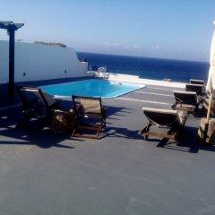 Отель Vrachia Studios & Apartments Греция, Остров Санторини - отзывы, цены и фото номеров - забронировать отель Vrachia Studios & Apartments онлайн бассейн фото 2