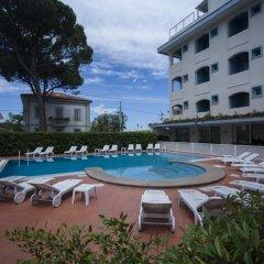 Hotel Ricchi бассейн фото 2