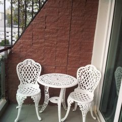 Отель Pakdee Bed And Breakfast Бангкок балкон