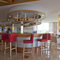 Hotel Santo Tomas Эс-Мигхорн-Гран гостиничный бар