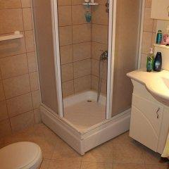 özge pansiyon Турция, Алтинкум - отзывы, цены и фото номеров - забронировать отель özge pansiyon онлайн ванная