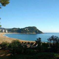 Отель Cala Boadella I Испания, Льорет-де-Мар - отзывы, цены и фото номеров - забронировать отель Cala Boadella I онлайн пляж
