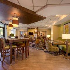 Отель Hampton Inn Meridian питание