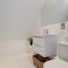 Апартаменты 1 Bedroom Retro Apartment ванная
