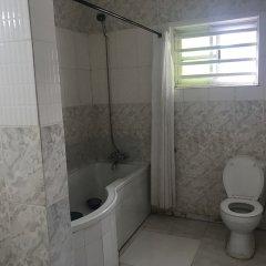 Отель Richmond Hills Suites Энугу ванная фото 2
