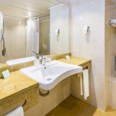 Отель Holiday Inn Lisbon Португалия, Лиссабон - 1 отзыв об отеле, цены и фото номеров - забронировать отель Holiday Inn Lisbon онлайн ванная фото 2
