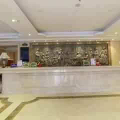Отель Vienna Hotel Zhongshan Bus Station Китай, Чжуншань - отзывы, цены и фото номеров - забронировать отель Vienna Hotel Zhongshan Bus Station онлайн интерьер отеля фото 3