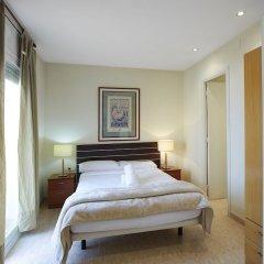 Отель Apartamentos Calvet Испания, Барселона - отзывы, цены и фото номеров - забронировать отель Apartamentos Calvet онлайн комната для гостей фото 2