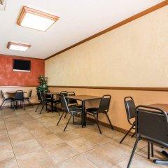 Отель Rodeway Inn Convention Center США, Лос-Анджелес - отзывы, цены и фото номеров - забронировать отель Rodeway Inn Convention Center онлайн питание фото 2